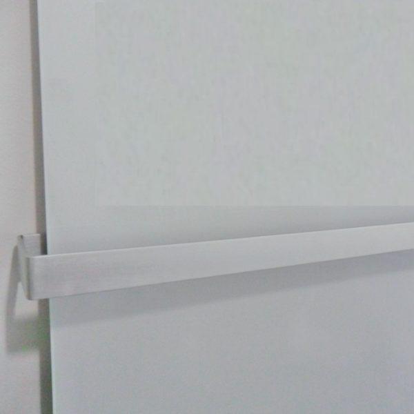 Radiador infrarrojos INFRA PANEL detalle barra toallero