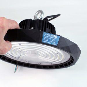Campana LED PROLED UFO en la mano
