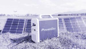Kit solar portátil con generador solar y panel plegable en campo